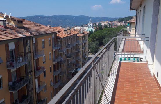 Appartamento 150 mq. semi-centrale